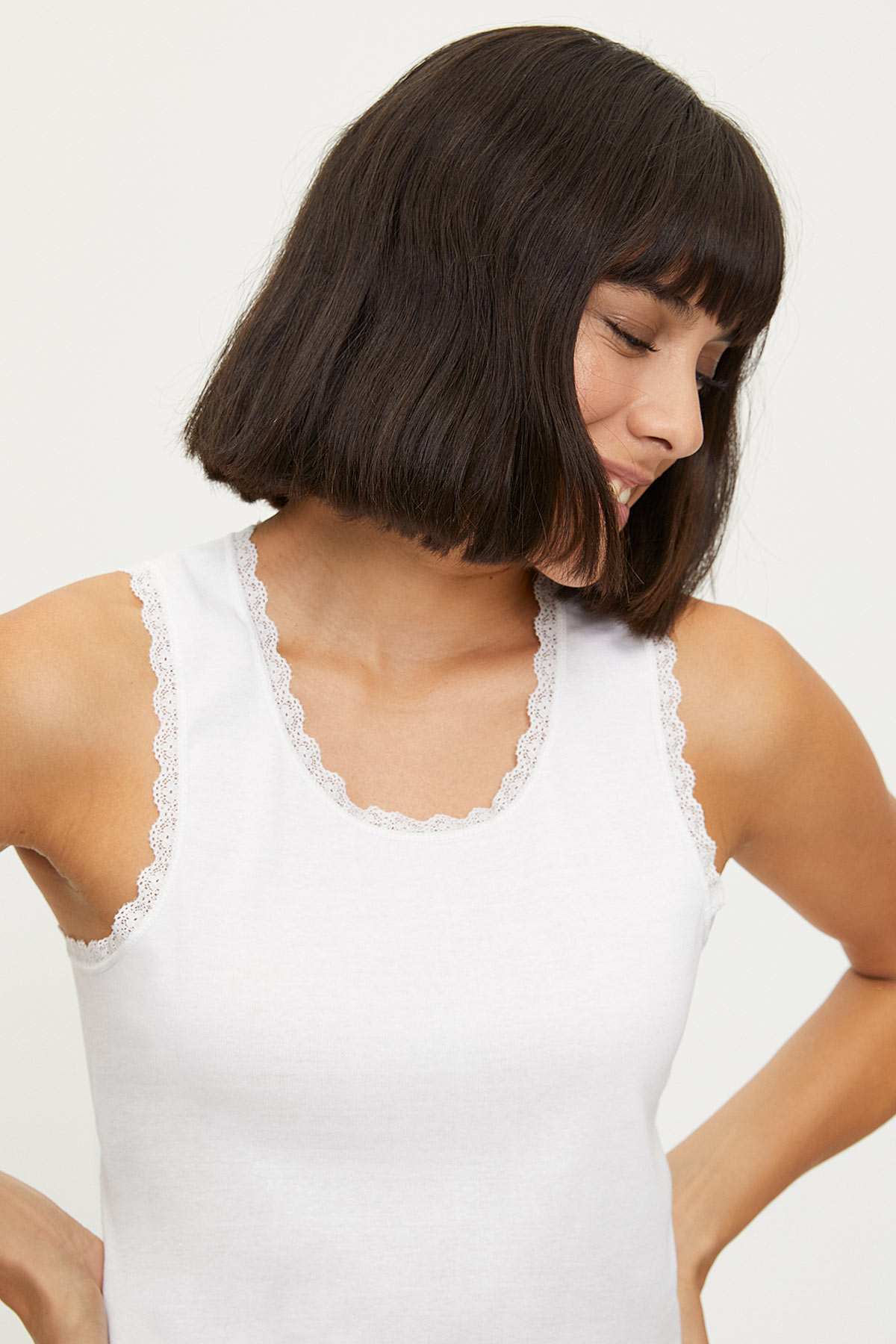 1034 100% Cotton Wide Strappy Lace Women's Undershirt