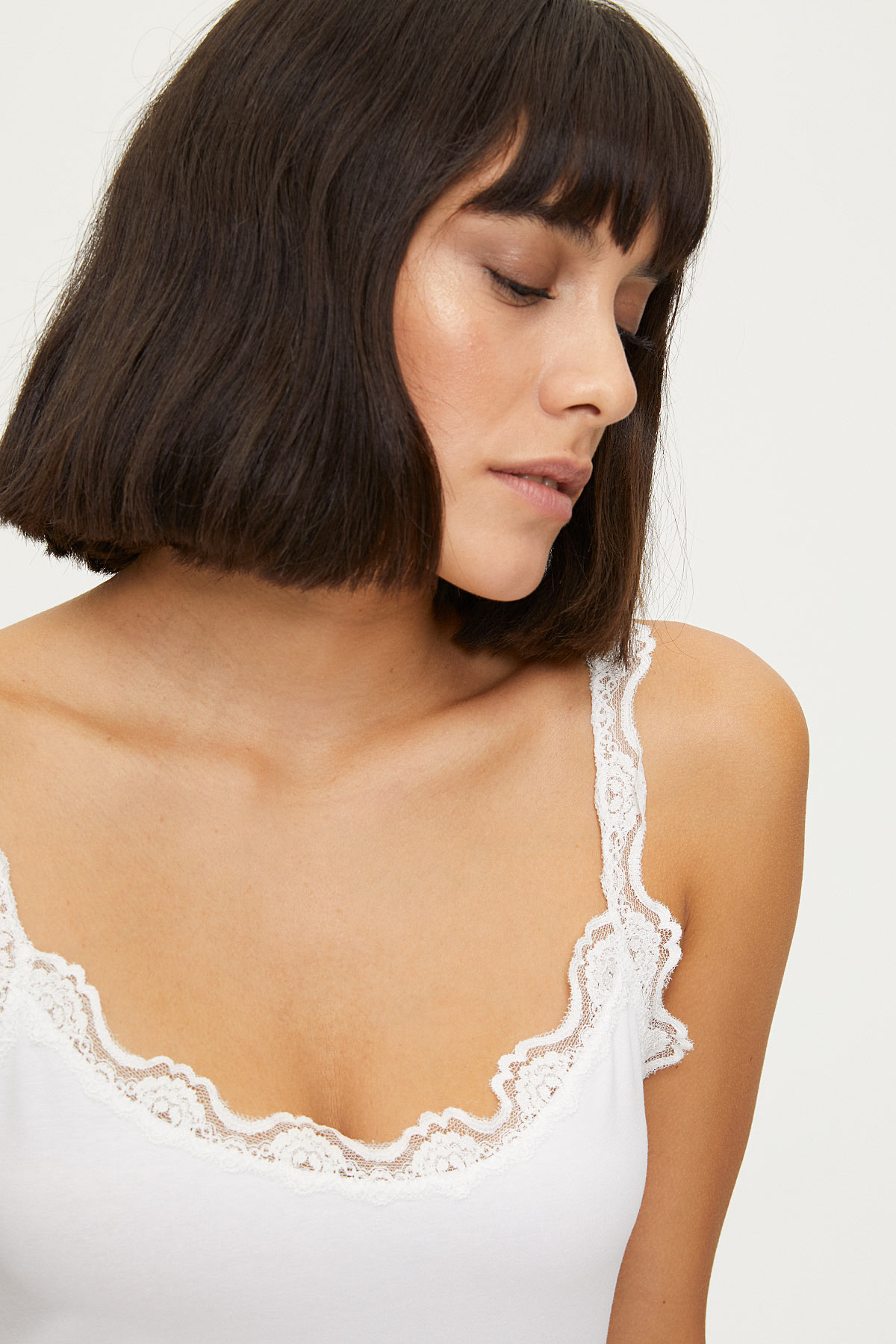 Lycra Strappy Ladies Lacy Undershirt - Thumbnail