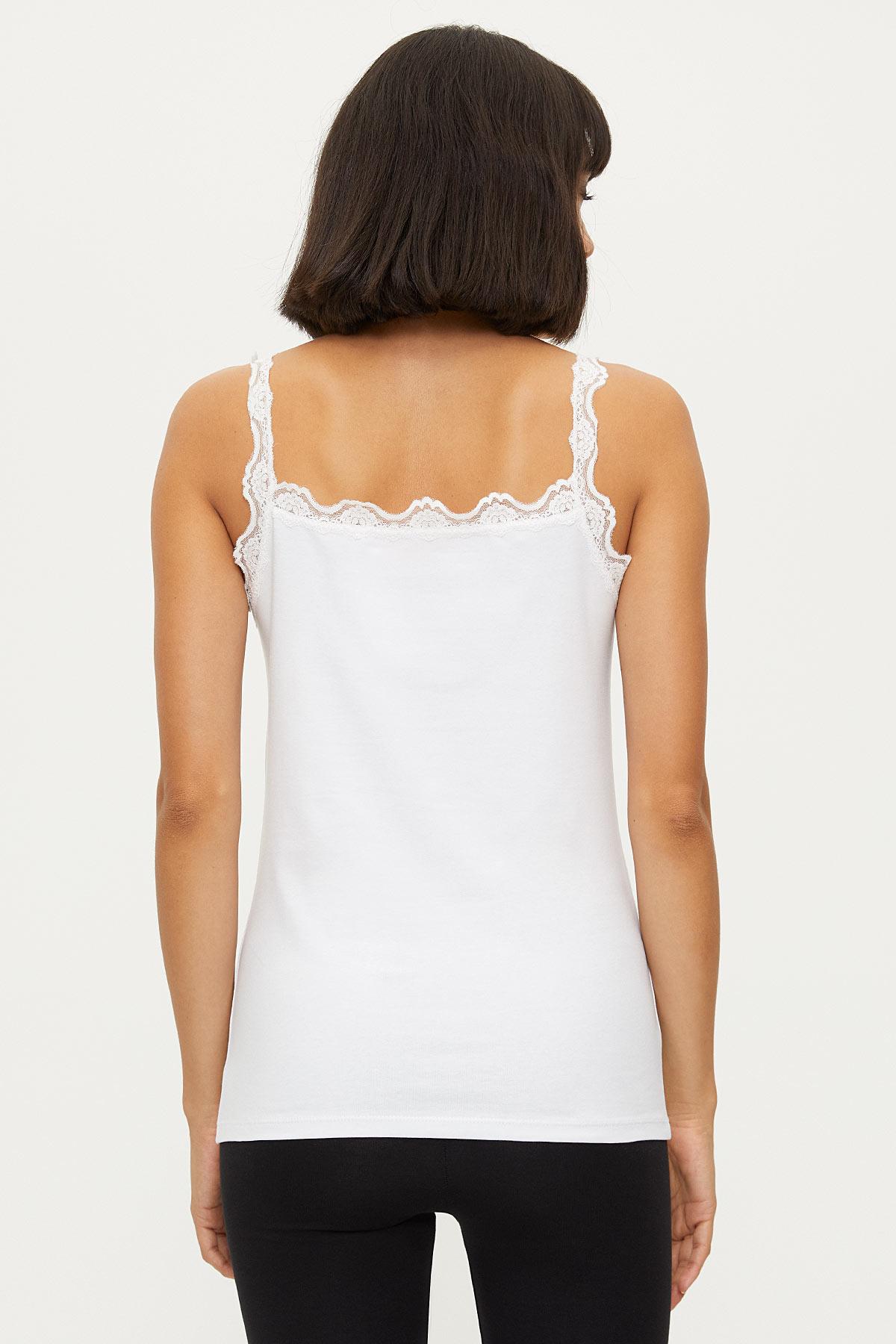 Lycra Strappy Ladies Lacy Undershirt